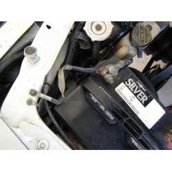 Omvormer op chassis aansluiten, pas op!